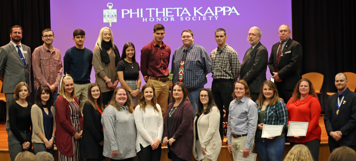 Washington State Community College (WSCC) Alpha Rho Gamma chapter of Phi Theta Kappa (PTK) welcomed new faces.